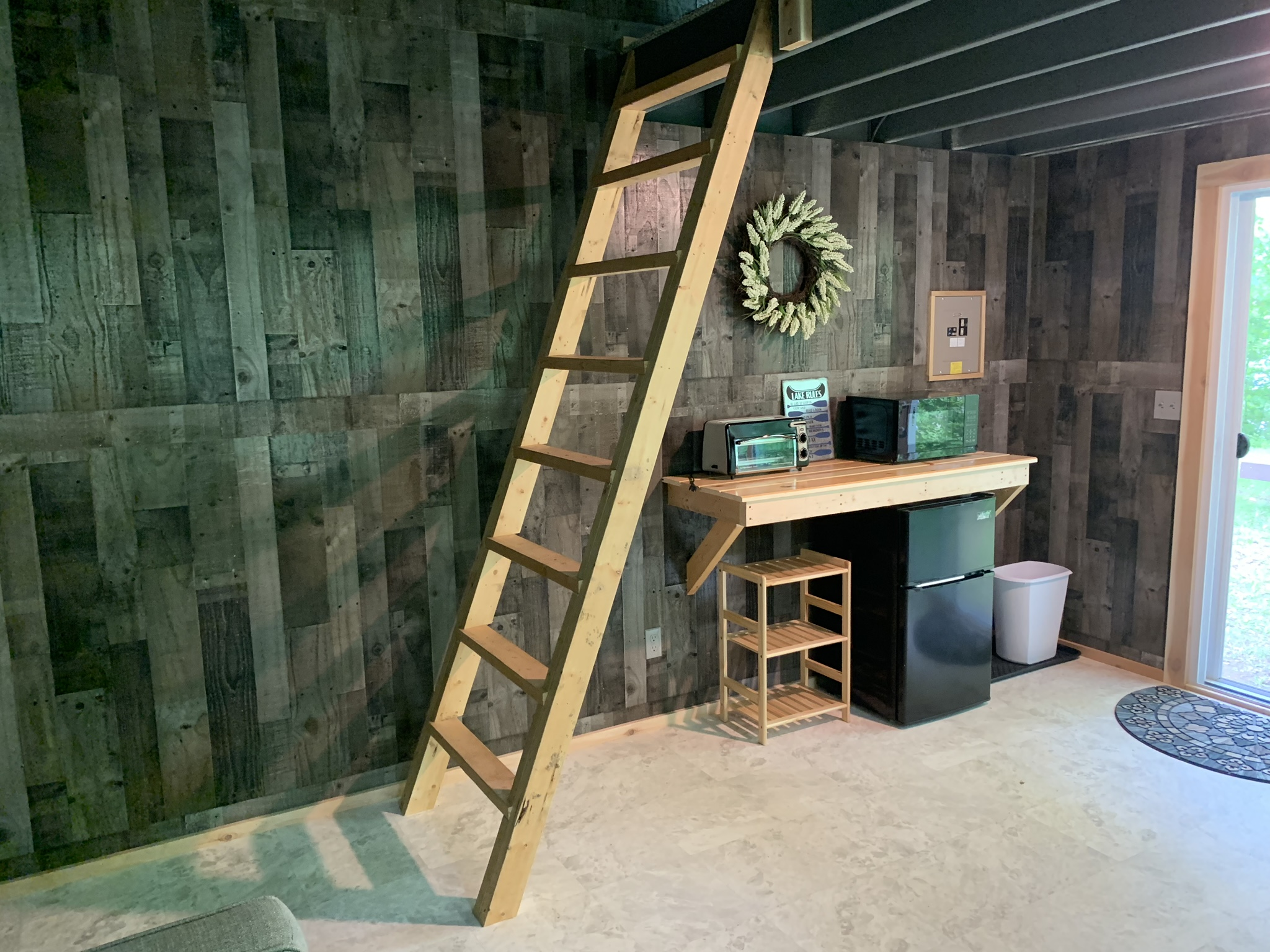 The Glamper - ladder & Kitchenette