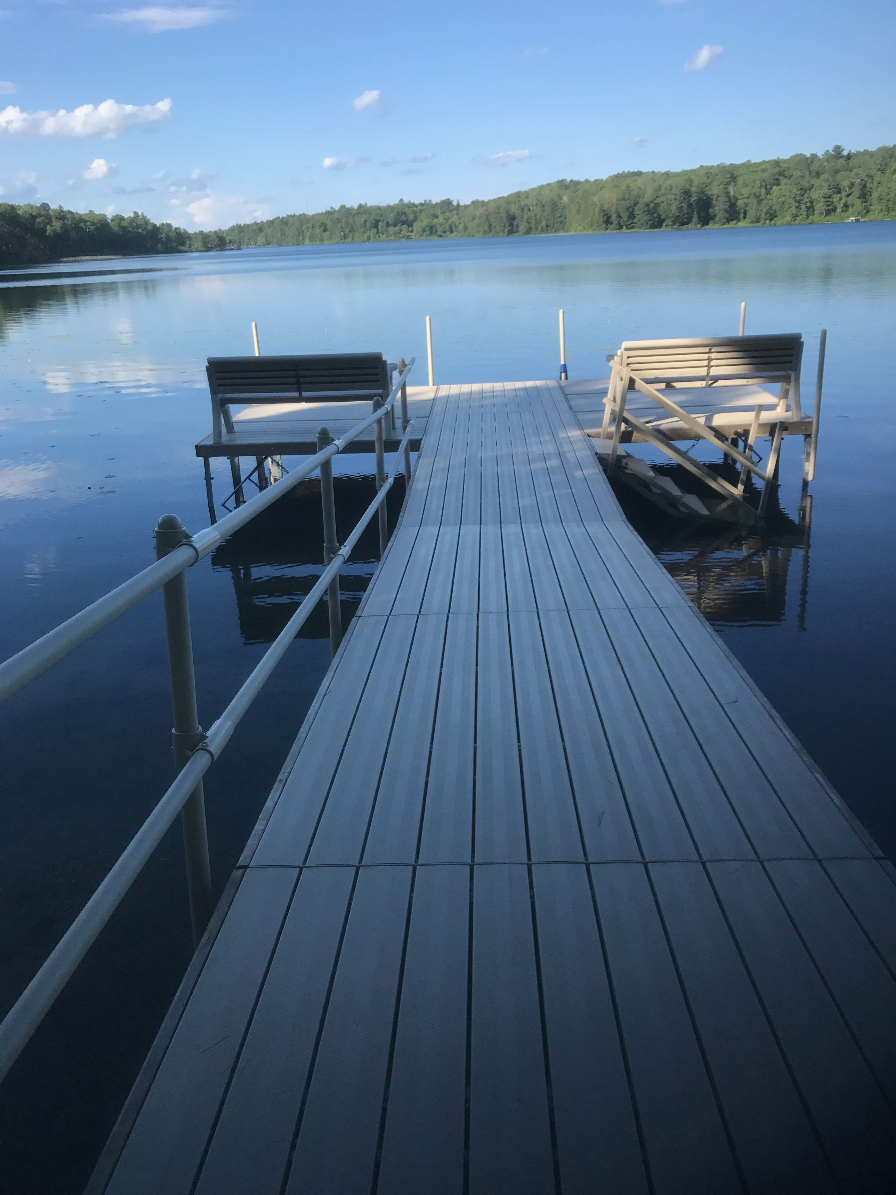 end-of-dock-with-benches-lake